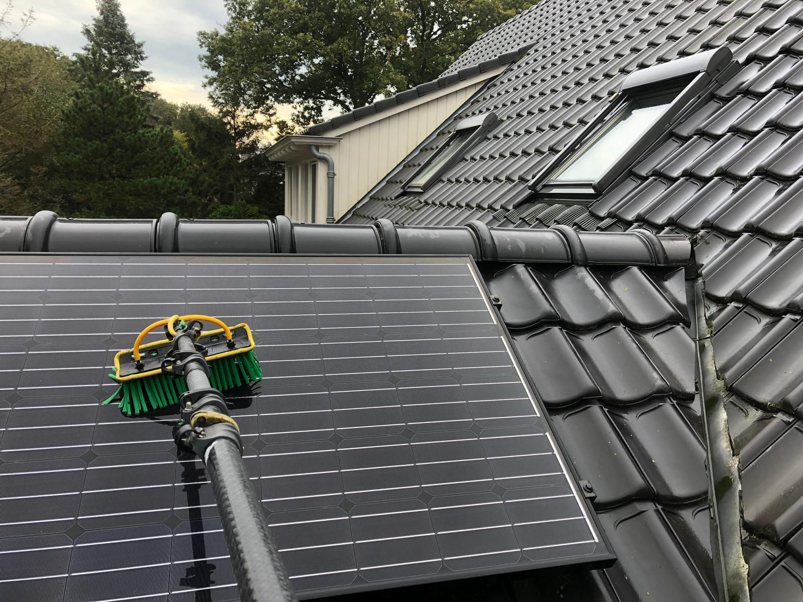 Reiniging van zonnepaneel